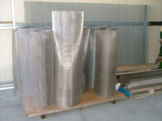 Various wire rolls